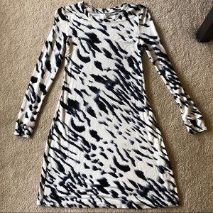 Kensie long sleeve dress